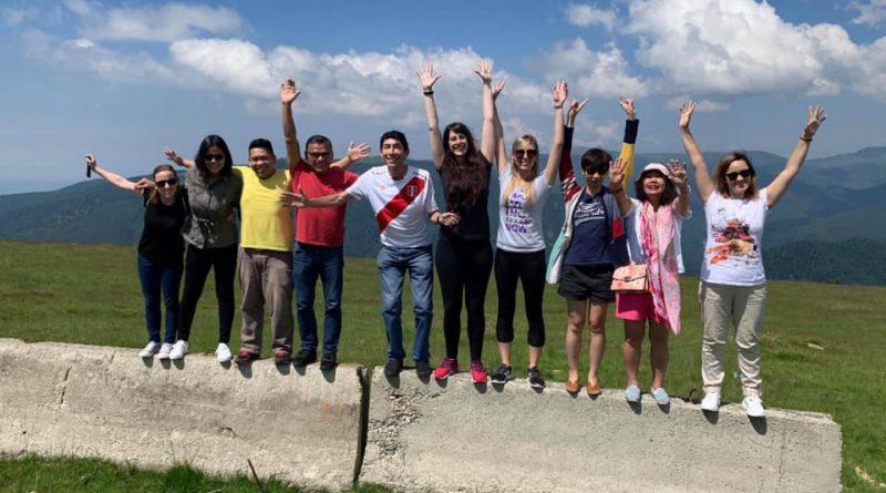 Khảo sát công tác tình nguyện cho thanh niên Việt Nam